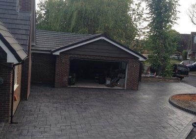 Double concrete driveway