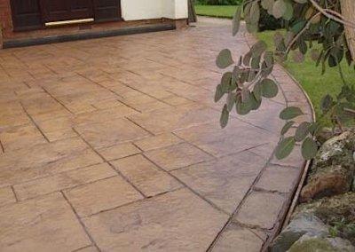driveway-alternative-border-concrete-imprint