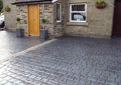 driveway-pattern-imprinted-cottage