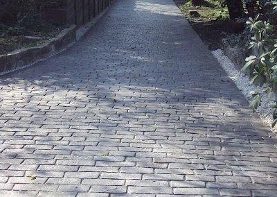pattern-imprinted-concrete-roadway