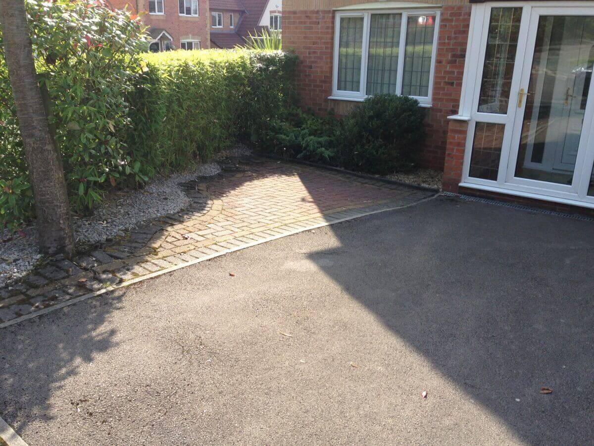 Spruce crescent complete driveway designs for Concrete driveway ideas