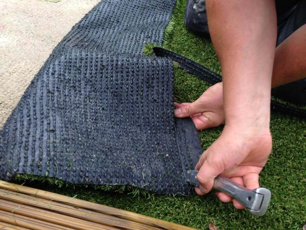 Laying the Turf Hawkshaw